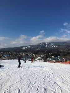 僕は今年人生初のスノーボードに行ってきました。