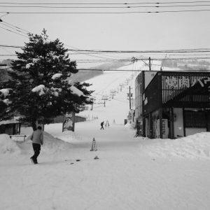 この前のお休みは飛騨までスノーボードに行ってきました。