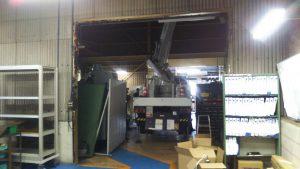 工場天井灯の取り換え作業