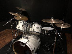 ドラムを始めました