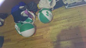 ビーチボールバレーの練習