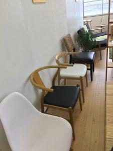 こんな感じの素敵な家具も販売しています。