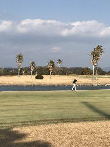 浜名湖にゴルフ
