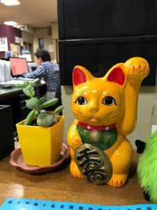 弊社の招き猫