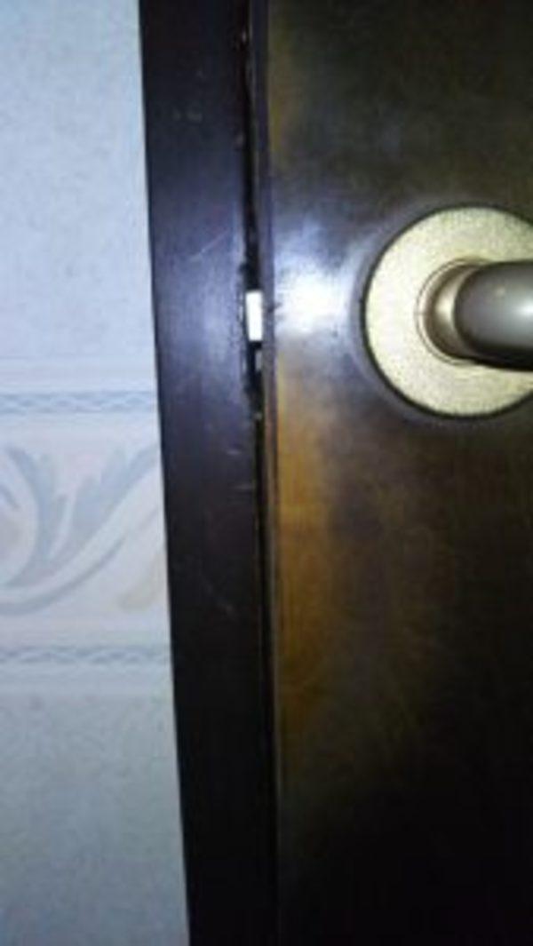 妻、トイレに閉じ込められる