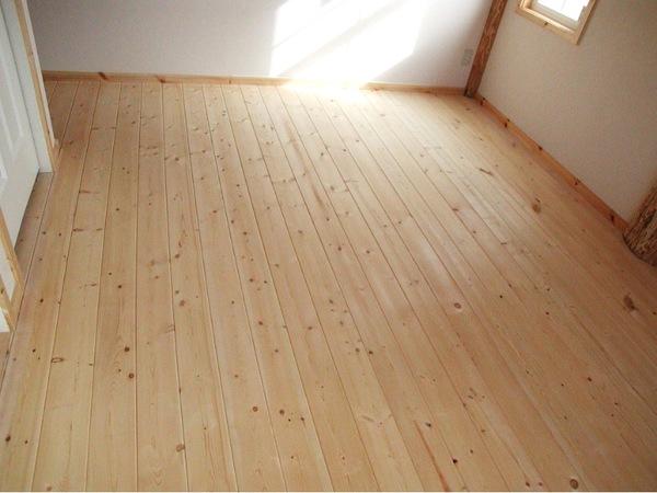 床は無垢材?合板フローリング?メリット・デメリット比較